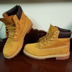Timberland Boots Youth 6.5 Women's 9